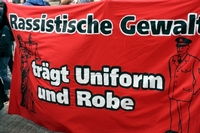 rassismus-in-uniform-und-robe_bild_200